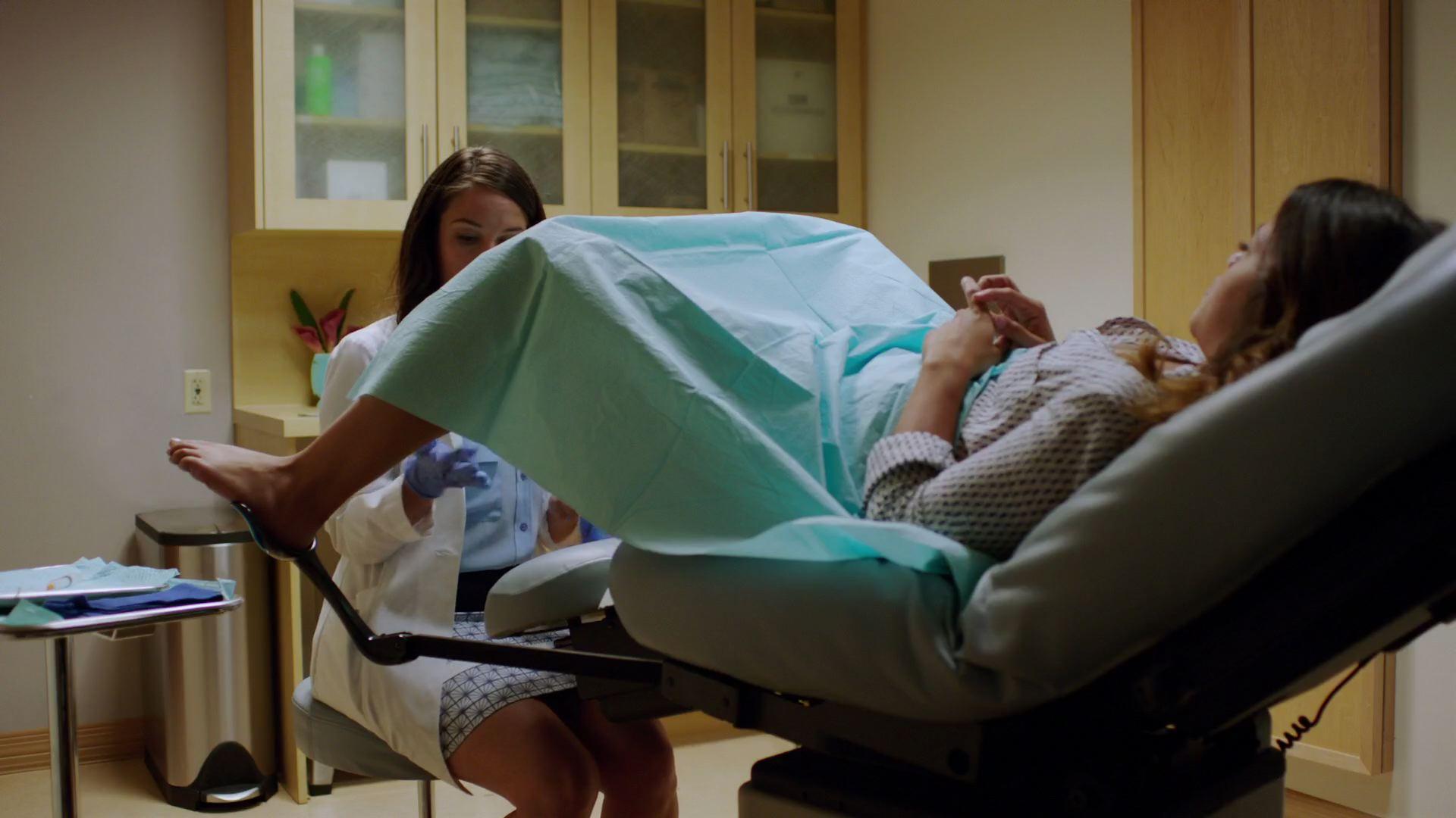 Фото голой девушки в гинекологическом кресле, гинеколог: порно фото и секс в кабинете гинеколога 13 фотография